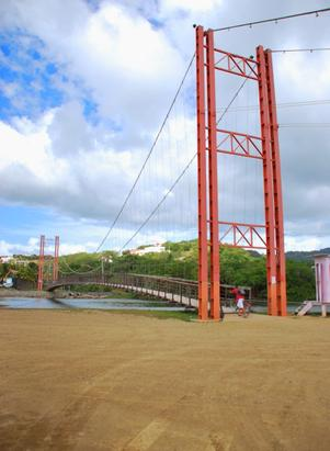 The bridge over the river