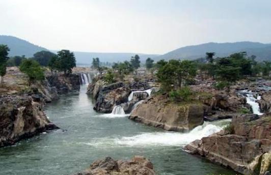View of Hogenakkal Falls from a distance