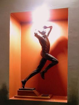 Statue of Courtney Walsh with his familiar bowling action brought in an exhilarating feeling in me.