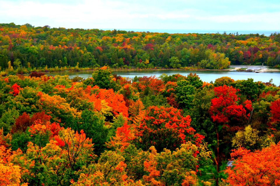 Peninsula State Park, Door County, Wisconsin - one of favorite places to see fall foliage in MidWest,USA. Covered in this blog - https://randomvoyager.com/2015/08/fall-foliage-door-county-wisconsin/