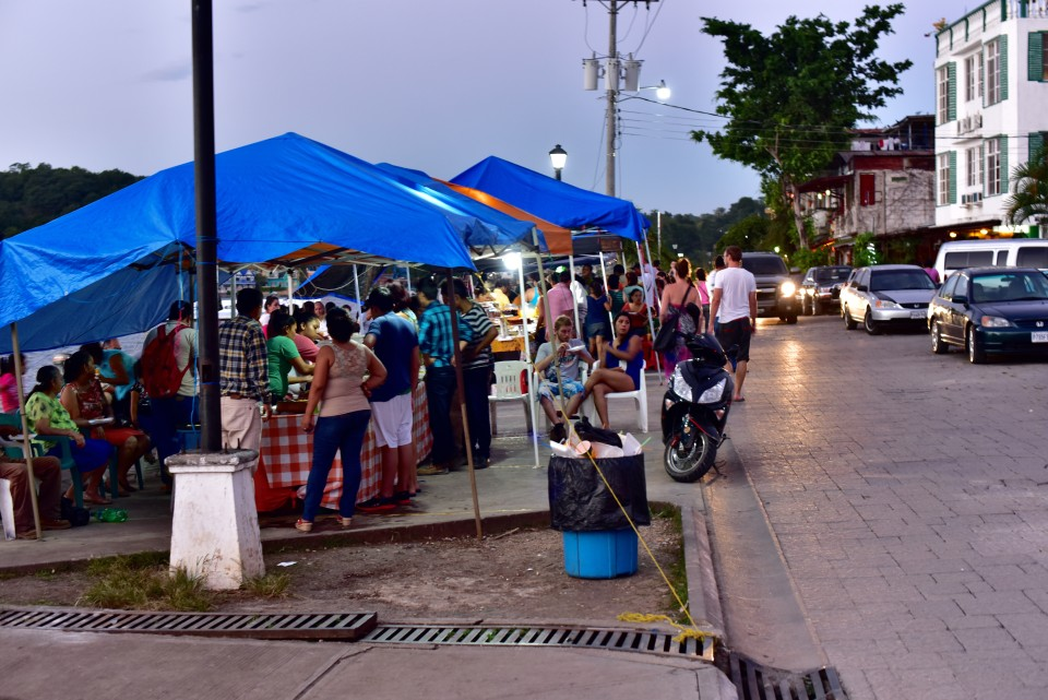 Island gets vibrant with the setting up of the foodstalls by the lake in the evening.
