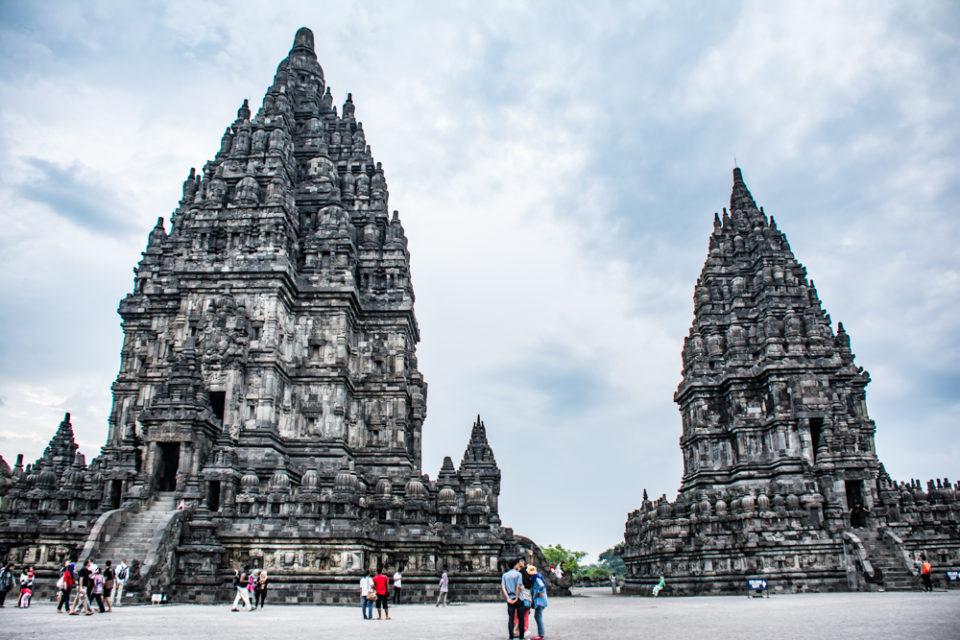 Siva temple on left and Vishnu temple on right